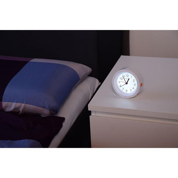technoline Quarzwecker mit automatischer Hintergrundbeleuchtung und schleichendem Uhrwerk