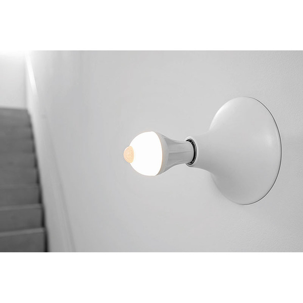OSRAM LED STAR PLUS MOTION 9-W-Sensor-LED-Lampe E27 mit PIR-Bewegungsmelder, warmweiß