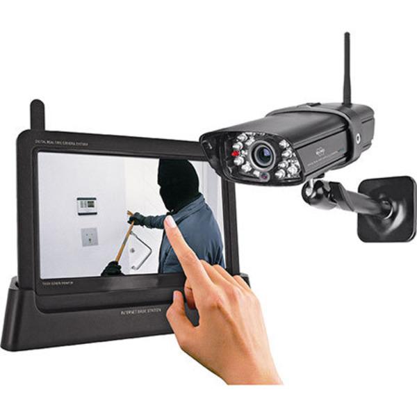 Leser testen das digitale ELRO Echtzeit-Kamerasystem mit Touchbildschirm CS87T