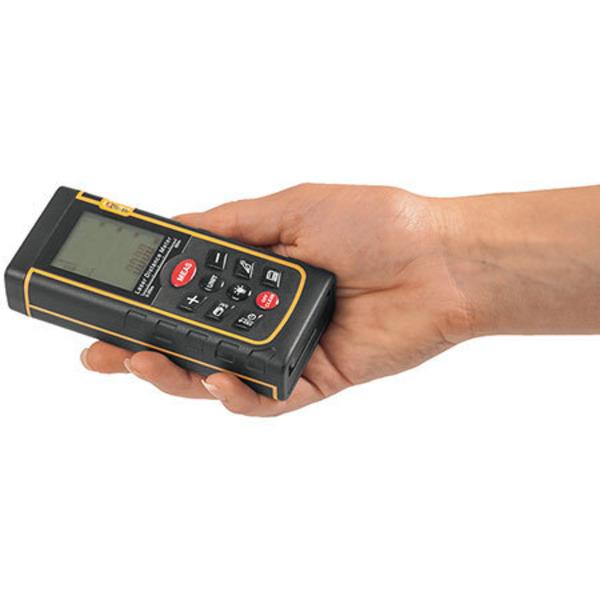 Leser testen das ELV Laser-Entfernungsmessgerät LE-80