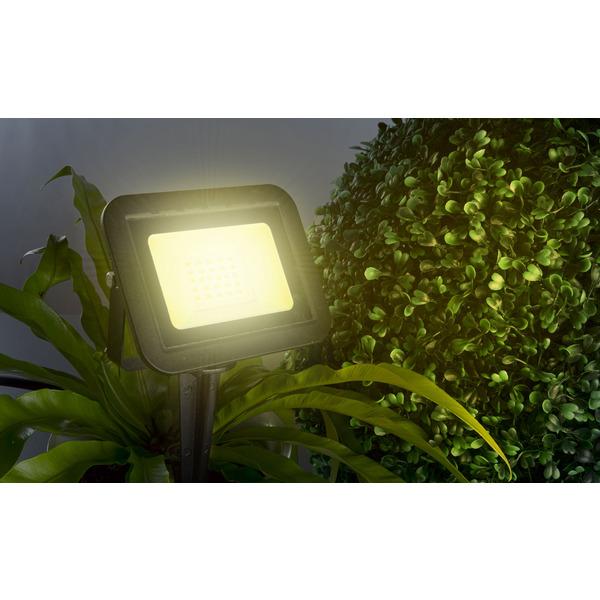HEITRONIC 20-W-LED-Flutlichtstrahler YORK, mit Erdspieß, Anschlussleitung mit Stecker, IP44, schwarz