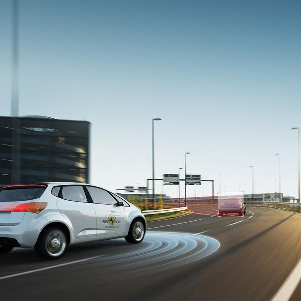 Die neuen Beifahrer - Fahrer-Assistenzsysteme und Bedienkonzepte im Auto Teil 1