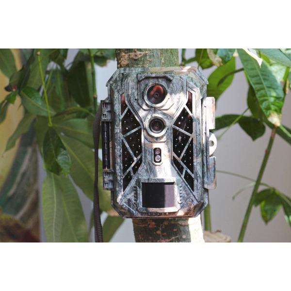 Braun Fotofalle / Wildkamera Scouting Cam BLACK820, mit Dual-CMOS-Sensor